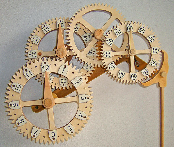 Would you like to build a super easy wooden clock?